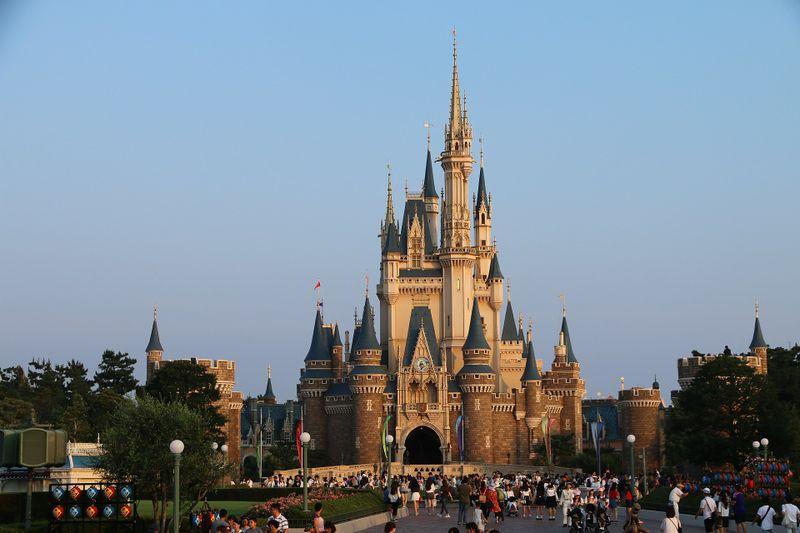 1920px-A8_Tokyo_Disneyland