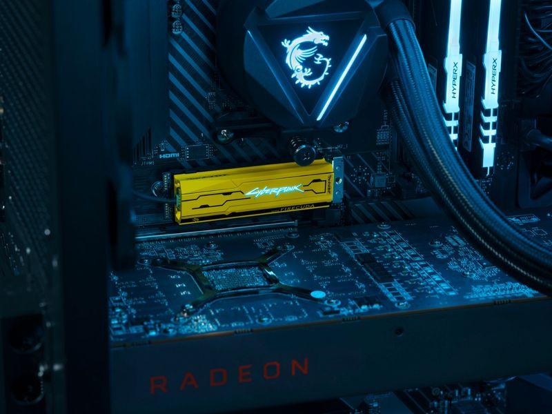 FireCuda 520 SSD《電馭叛客2077》限定版具備高達 180 萬小時的 MTBF 與 2,800 TBW。